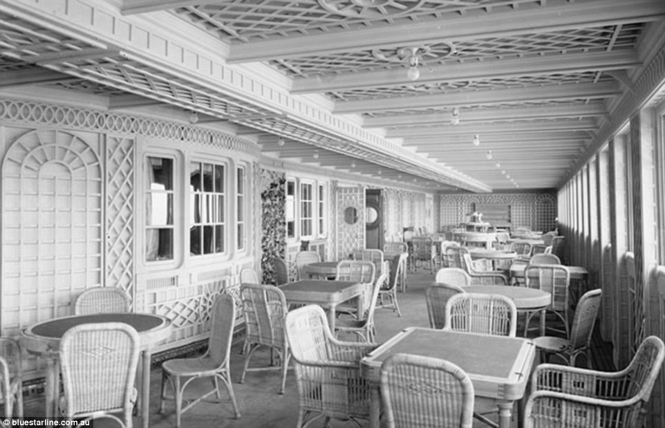 Café Parisien, for first class passengers, was designed to have the appearance and feel of a sidewalk cafe in the French capital