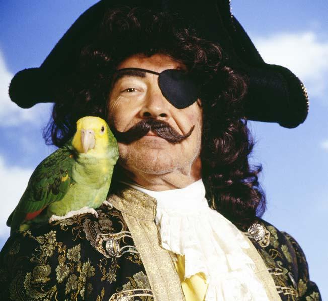 why-pirates-wear-an-eye-patch-652x400-1449143410